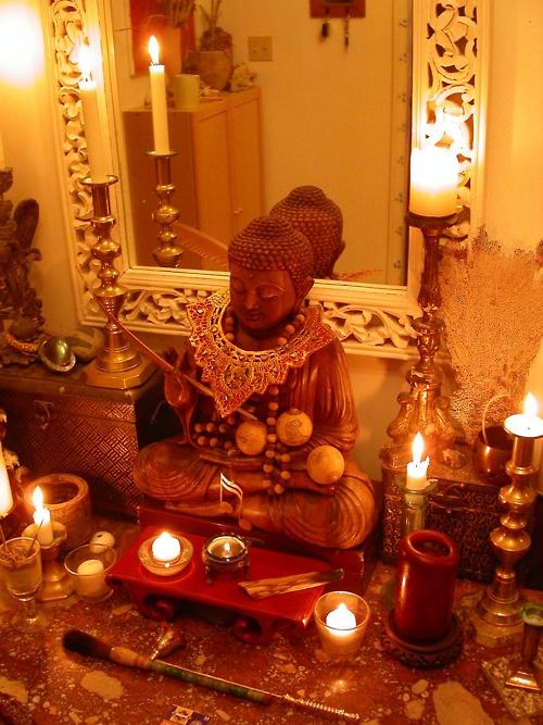 Altar: Buddha Altars, Altars Shree, Buddhists Altars, Altaars Altars, Shrine Altars, Meditation Space, Altars Ritu, Altars Sacred, Buddhistisch Altars