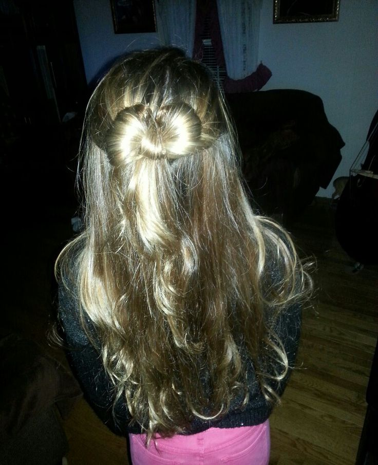 What MY hair looked like tonight! :) #bow # long ♡♥♡