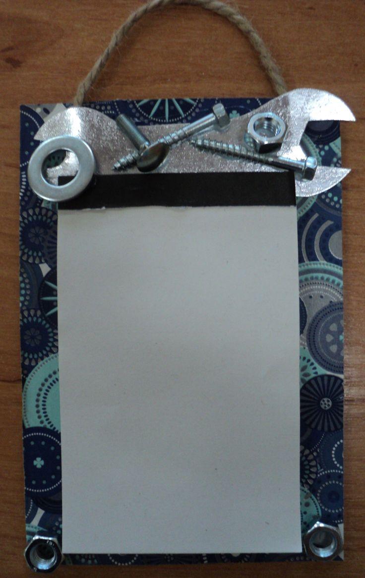 Poznámníček pro tatínky - klíč z tvrdého stříbrného papíru, na dozdobení - podložky, šroubky, matičky