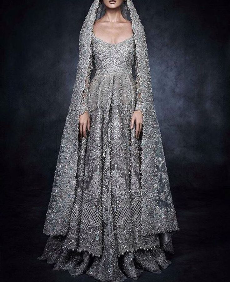 """""""ÉLAN for SWAROVSKI - @elanofficial Bridal Couture The """"Sparkling Couture Exhibition"""" took place on the 4th of November, at Madinat Jumeirah in Dubai. It…"""""""