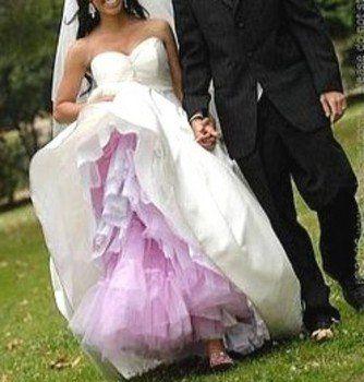 netting under wedding dress matches bridesmaids dresses... Oh my gosh I love that idea!!