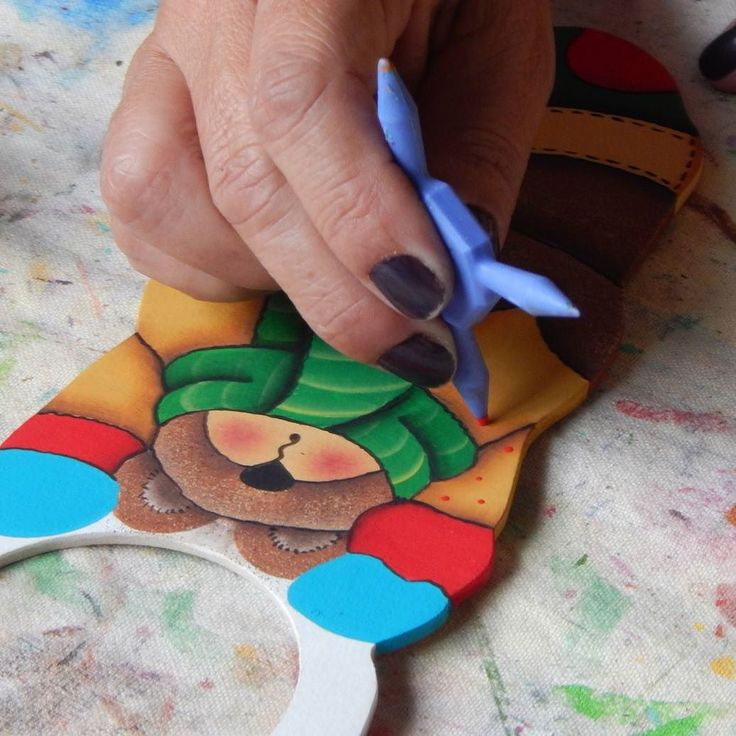 Trabajando ando...  #mdf #pintura #pinturacountry #diseñoartesanal #artesania #diseño #artesanal #artesanato #hechoenmérida #hechoenvenezuela #hechoamano #manualidades #decoración #Mérida #Venezuela #igersmérida #igersvenezuela #handmade #cute #meridapreciosa #creatividad #crafts #ideas #tw