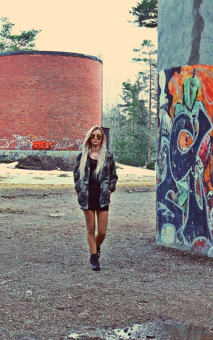 Street fashion camouflage jacket