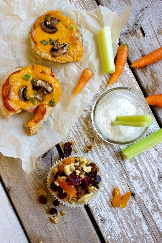 Lunch Box: Mini Pita Pizzas w/ Quick Veggie Dip & Granola Trail Mix