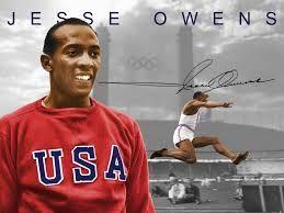 004 - HÉROES OLÍMPICOS - JESSE OWENS - nació en Oakville, Alabama, Estados Unidos, el 12 de septiembre de 1913 y falleció en Tucson, Arizona, Estados Unidos, el 31 de marzo de 1980, fue un atleta estadounidense.  En los Juegos Olímpicos de Berlín 1936 ganó fama internacional al conquistar cuatro medallas de oro en las pruebas de 100 m, 200 m, salto de longitud y la carrera de relevos 4×100 m.  En su apogeo fue reconocido como «el mejor y más reconocido atleta de la historia».