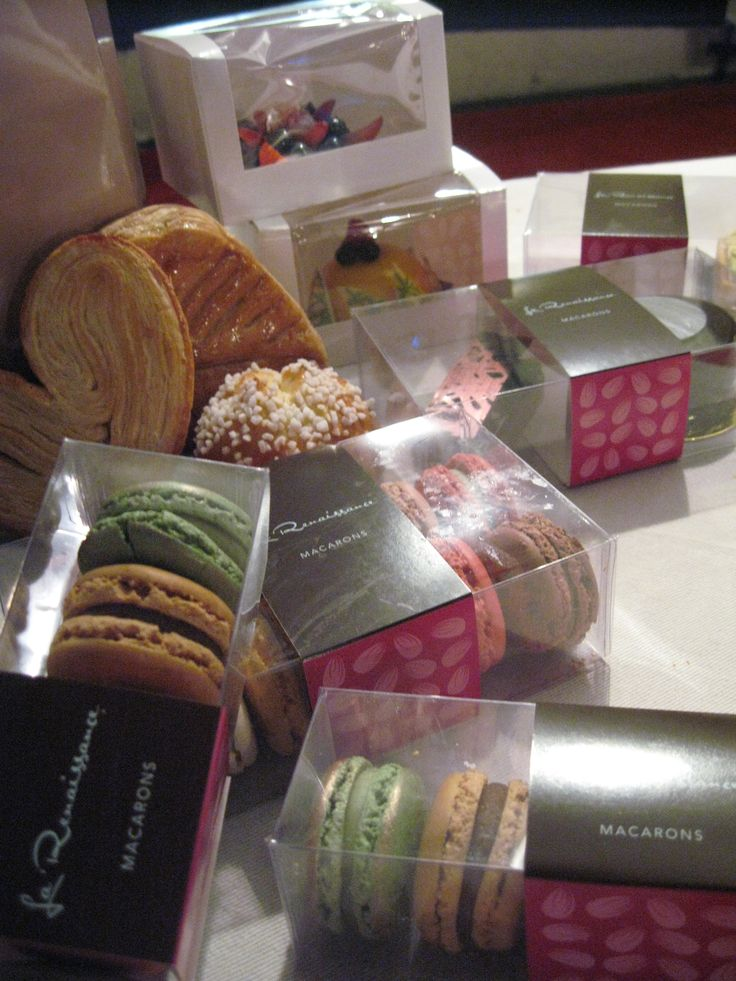 Need the perfect present for someone special? Baroque Bistro has the answer! Macarons....come and take a look!!