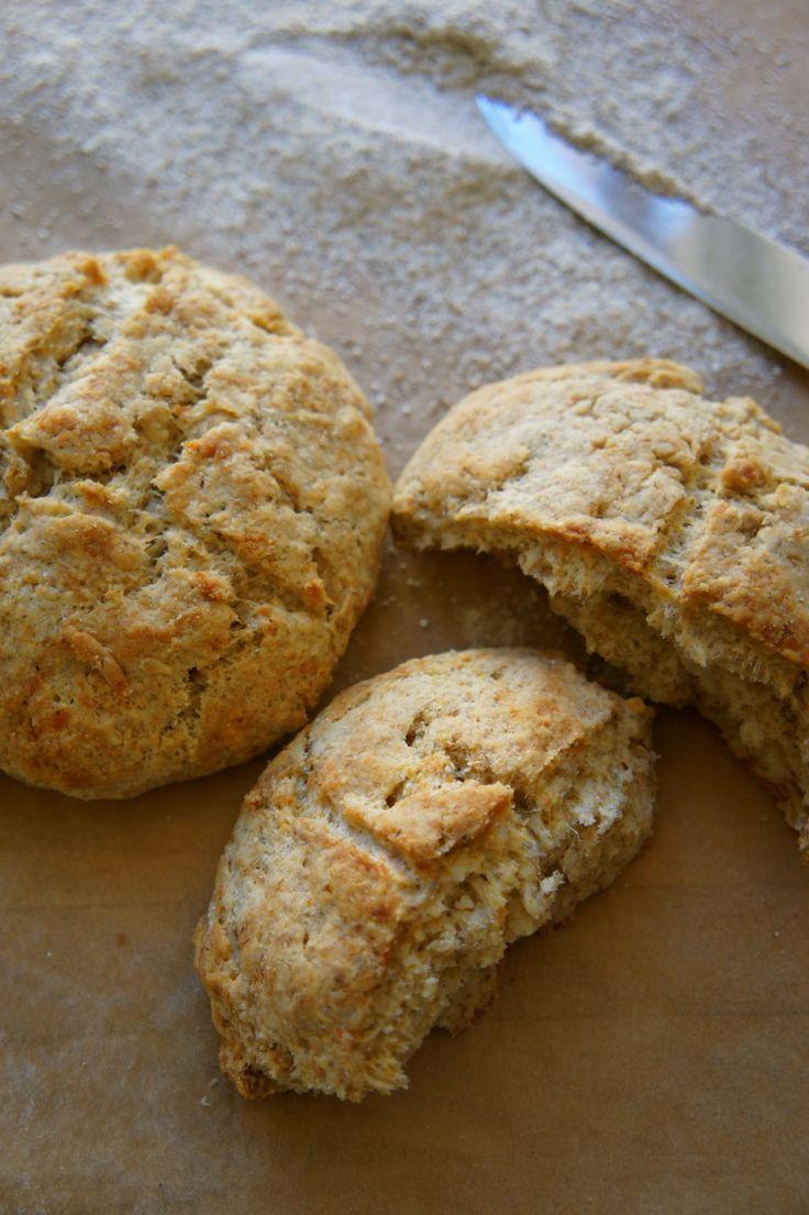 Scones med hvidløg og parmesan – The Food Club