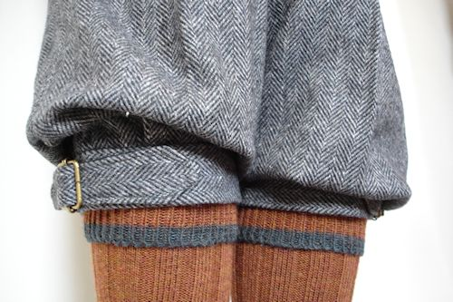 THE TWEED PIG: The Right Trousers - Go Cycling in Spencers Trousers (This is men's Spencer Trousers and calves from behind, I saw it as women's shorts and thigh high stockings, front. Want shorts like that :-D)