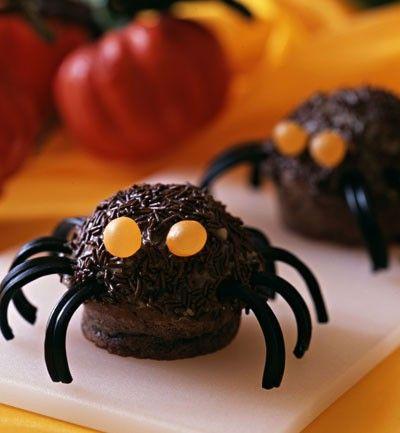 ¿Te gusta el chocolate? Si es así tenemos el mejor postre para tu fiesta de Halloween. La receta aqui: http://www.soymanitas.com/fotos-muffins-arana___5972