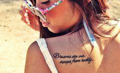 Frases para tatuagem: 200+ ideias e fotos para te inspirar