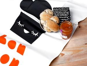 paris tea towel by darling clementine