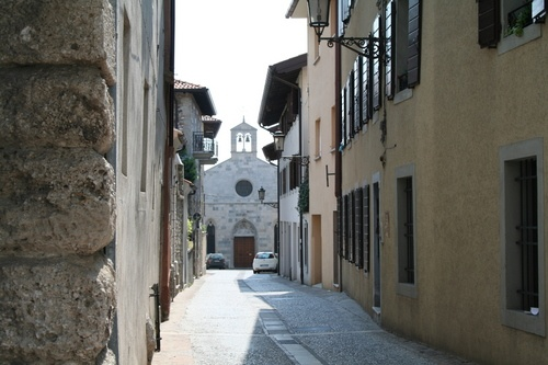 San Daniele del Friuli (Udine) -B&B Stop&Sleep Fagagna #friuli #italy #travel #city #hills #palace #church