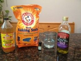 Ingredients for baking soda DIY shampoo.