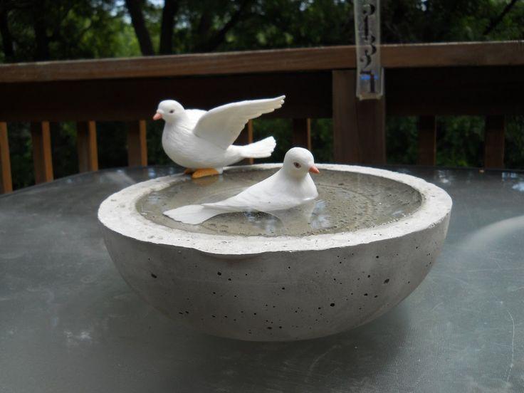 26 best concrete images on pinterest cement garden deco for Making a concrete birdbath