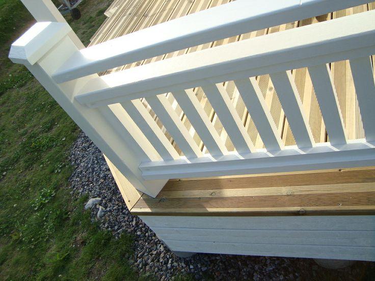 räcke, rillat golv, spjälor, stolpe, överliggare, trädäck ... : staket kryss : Staket