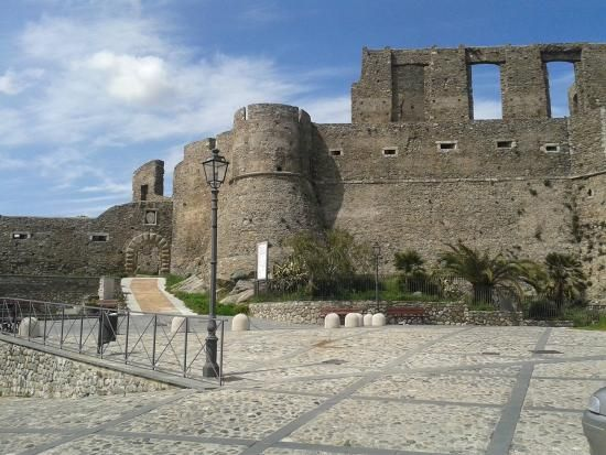 Castello Normanno di Squillace, Squillace: See 85 reviews, articles, and 53 photos of Castello Normanno di Squillace, ranked No.1 on TripAdvisor among 6 attractions in Squillace.