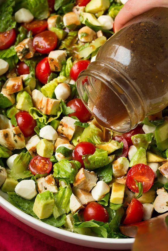 чем можно заправить салат во время диеты