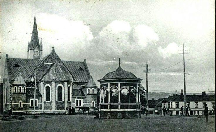 Nord-Trøndelag fylke Steinkjer STEINKJÆR. Fint motiv med kirken og musikkpaviljong, utg CAE postgått 1921
