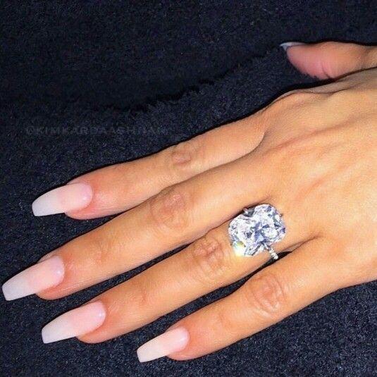 Kim Kardashian's wedding ring!!!