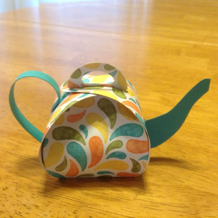 SU Curvy Keepsake framelit made into a teapot. Handle and spout are freestyle pieces. Love this!