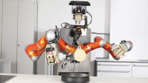 Duitse onderzoekers leren een robot pizza's en pannenkoeken bakken op basis van online instructies.Met hun RoboHow-project willen de onderzoekers van ...
