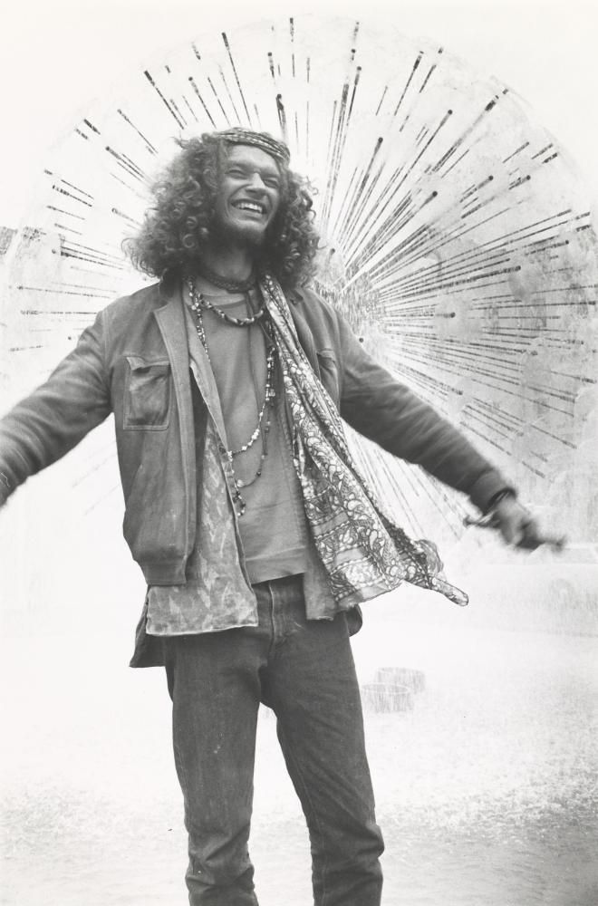Rennie ELLIS Hippie, Kings Cross (1970-1971)  from the Kings Cross series 1971 gelatin silver photograph  National Gallery of Victoria, Melbourne