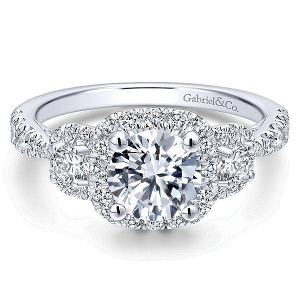 Boyfriend Likes Round Shape Engagement Ring