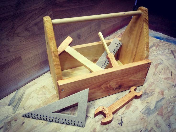 Narzędzia #wood #woodwork #decor #garage #Creative #boy #man #skrzynka #młotek #klucz