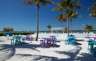 Islamorada Dining | Morada Bay |  This bayside retreat offers two great options– The Beach Cafe for casual dining and Pierre's for a more refined dining experience. Both come along with good food and amazing views.