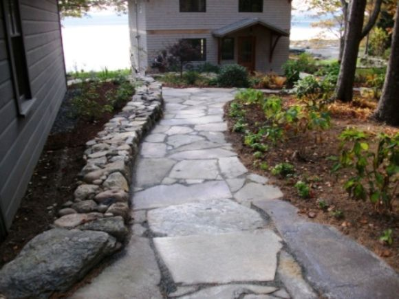 45 best stone walks images on pinterest flagstone for Natural stone walkways