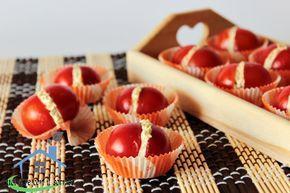 I baci di pomodori sono piccoli bocconcini da gustare come antipasto oppure aperitivo, ottimi da servire anche in occasione di buffet all'aperto.