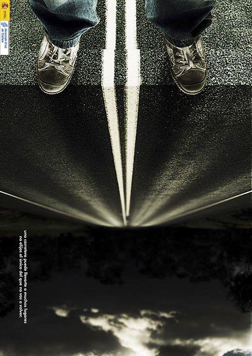 """Apartados que entran en el examen de evaluación La cámara digital reflex: cuerpo de la cámara y objetivo                Cuerpo de la cámara: partes que la componen.                      Objetivo: ¿qué es? y tipos de objetivos  Diafragma Obturador Distancia focal Profundidad de campo, ¿qué es? como se hace una fotografia con mucha y con poca profundidad de campo. Como se hace una fotografía donde aparezca el movimiento congelado y el movimiento """"corrido""""  Tipos de composición. Entrar y mirar."""