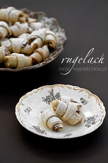 Mini Rugelach with Cinnamon (View with Google Translate) http://www.mojewypieki.com/przepis/mini---rugelach-z-nadzieniem-pekanowo-cynamonowym
