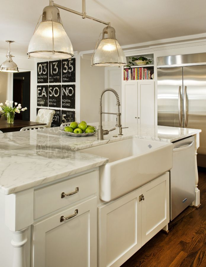 Elegance and style merge in this white kitchen completed by Blackline Renovations. #luxeDallas