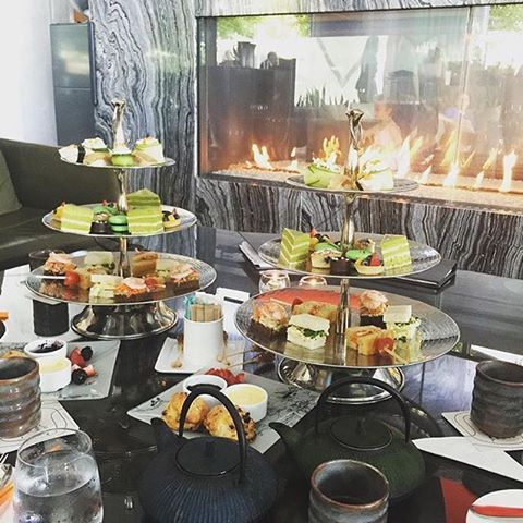 Afternoon tea with a twist in our Lobby Lounge? Yes, please! [: @_beckygg]