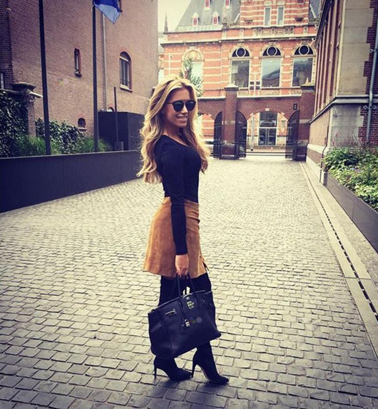 Onderweg naar haar nieuwe klus post Sylvie Meis een kiekje van haar look. Steel haar stijl >>