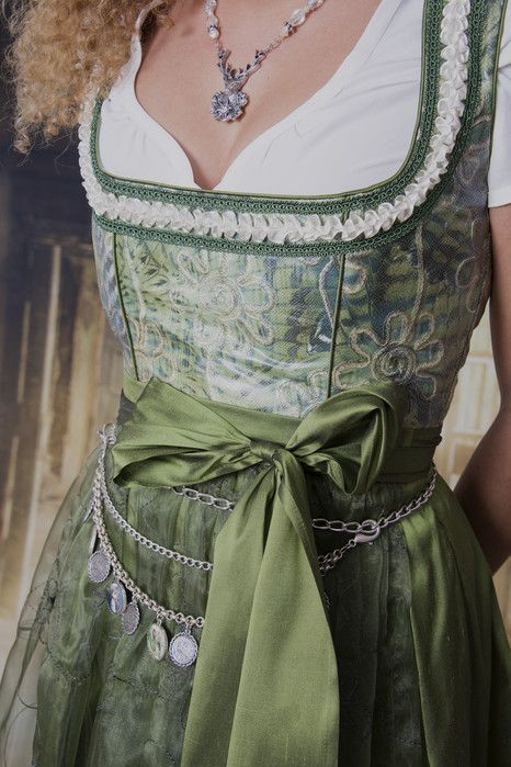 Heidi - KIND OF DIRNDL