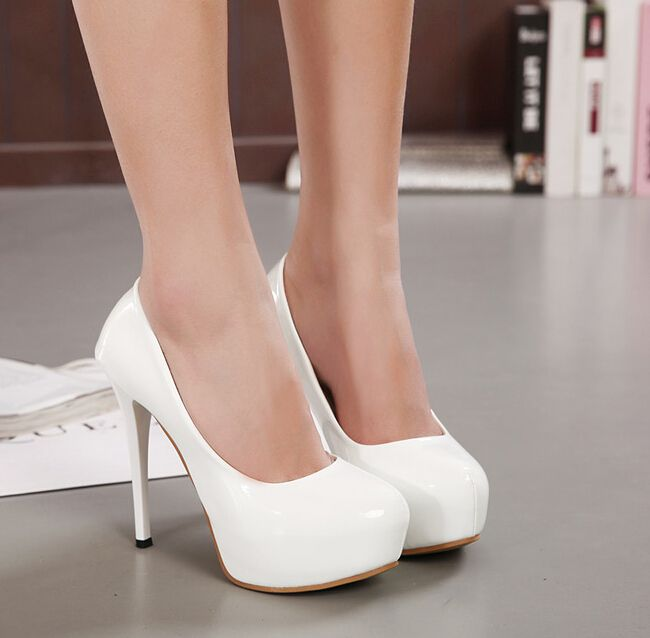 Best 25  White pumps ideas on Pinterest | White women's pumps ...