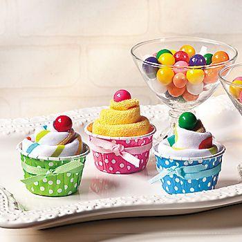 DIY Washcloth Cupcakes