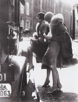 ahiddengardenofsecrets:    Berlin, 1920s
