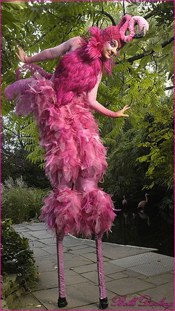 Flamingo costume  #funny #funnycostumes  http://www.vishandpips.com/