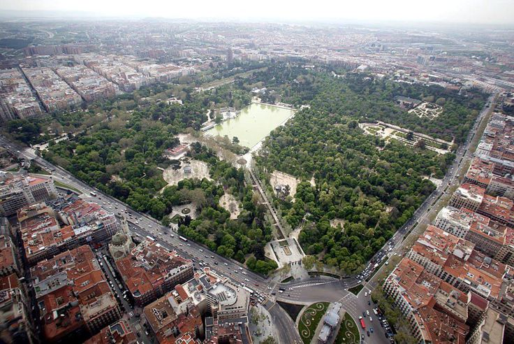 Vista panorámica del parque del Retiro de Madrid.