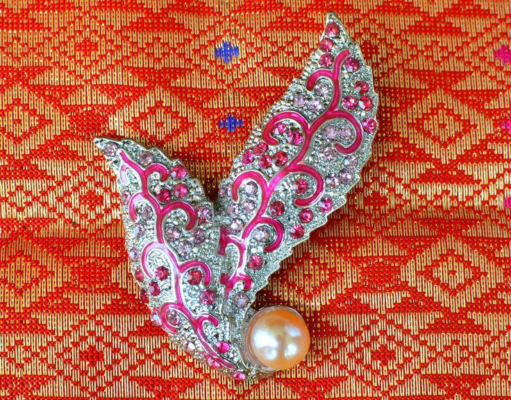 Indonesian brooch