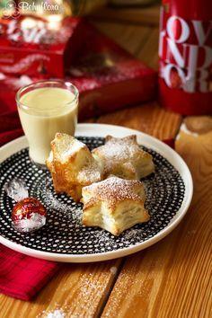 Selbstgemachter Marzipanlikör und Schokoblätterteigsterne - Das sind Santa Claus' diesjährige Favoriten bei der Tour durch die Nacht #weihnachten #marzipan #likör #alkohol #christmas #santaclaus #schokolade #lindt #amaretto #homemade