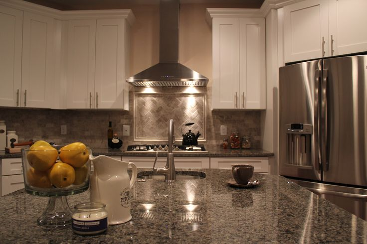 on line kitchen cabinets best 25 caledonia granite ideas on grey 24030