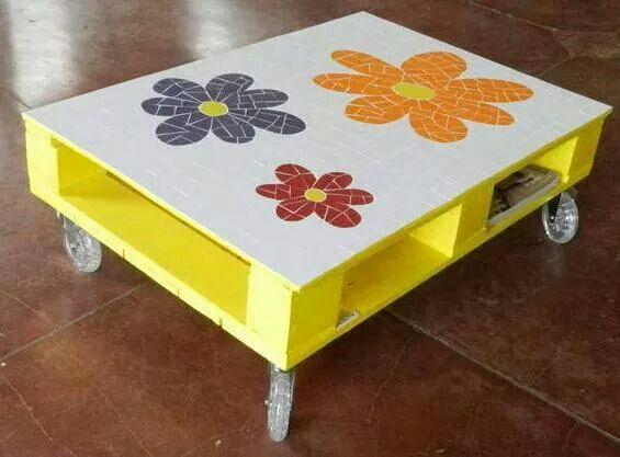 Mejores 383 im genes de reciclar paletas y madera en for Cosas hechas con paletas de madera