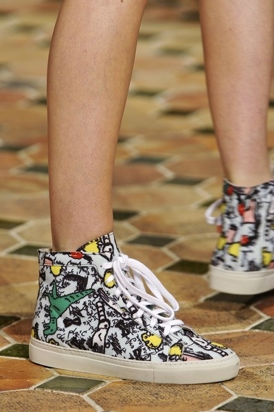 All mad about sneakers -> http://www.elle.it/Moda/Shopping/Easy-chic/sneakers-isabel-marant-nike-con-zeppa-tendenza-primavera-estate-2013