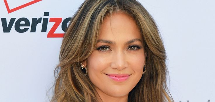 JENNIFER LOPEZ'S FIRST SPANISH ALBUM IN 10 YEARS HAS A SPECIAL MEANING