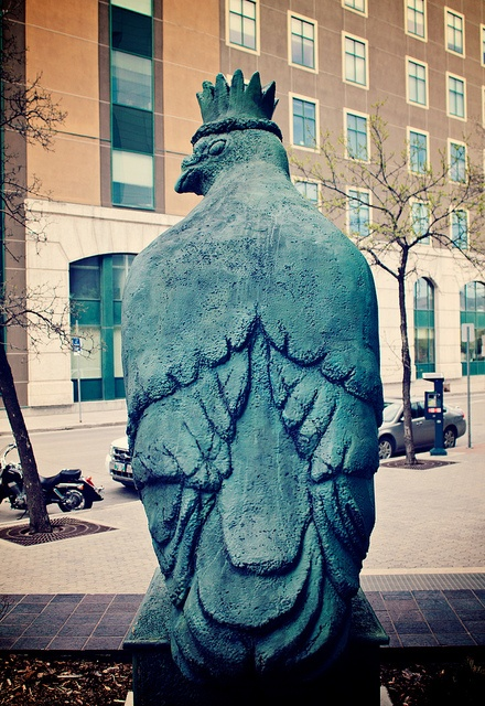 The Pigeon King at Downtown Winnipeg by ajbatac, via Flickr