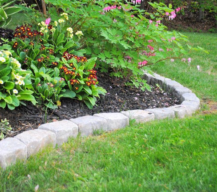 die besten 25 beeteinfassung stein ideen auf pinterest pflanzen beeteinfassung steingarten. Black Bedroom Furniture Sets. Home Design Ideas